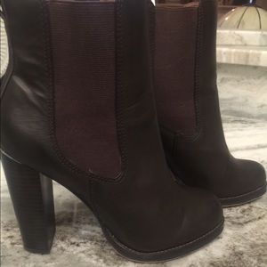 Loft Brown Leather heeled ankle booties stretchy
